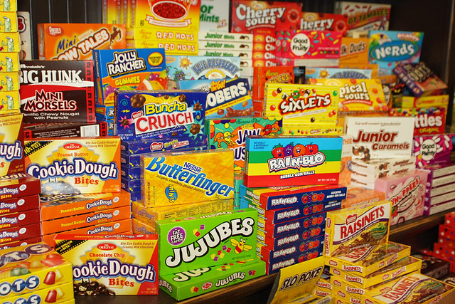 Powell 39 s sweet shoppe movie candy renatta r flickr for Food bar games free online