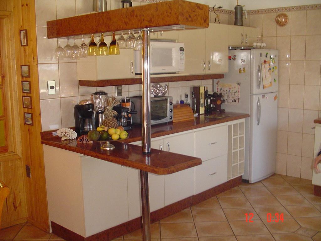 Separador de ambiente separador con copero muebles de for Cocinas con muebles