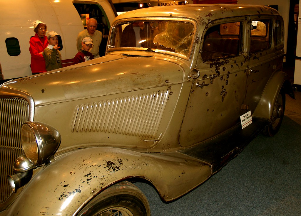 Bonnie and Clyde 1934 Ford Fordor Deluxe Sedan The Death