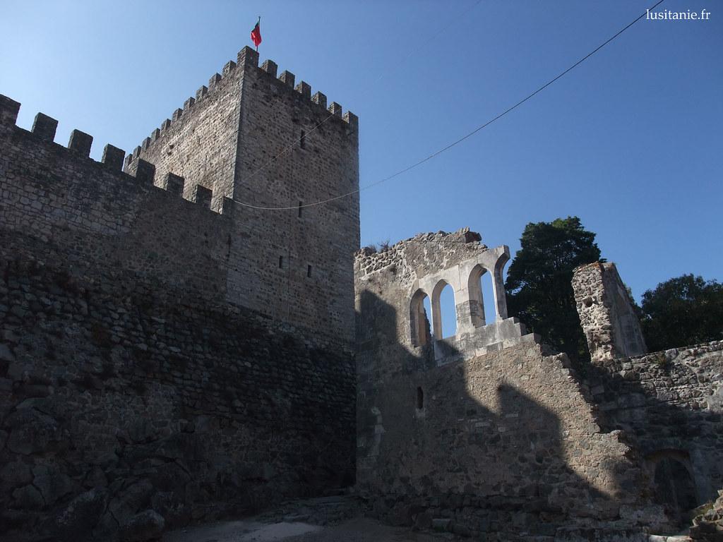 Le château devait vraiment être sublime, au moyen âge...