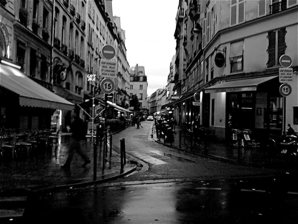 rue de buci sous la pluie paris noir et blanc regis frasseto flickr. Black Bedroom Furniture Sets. Home Design Ideas