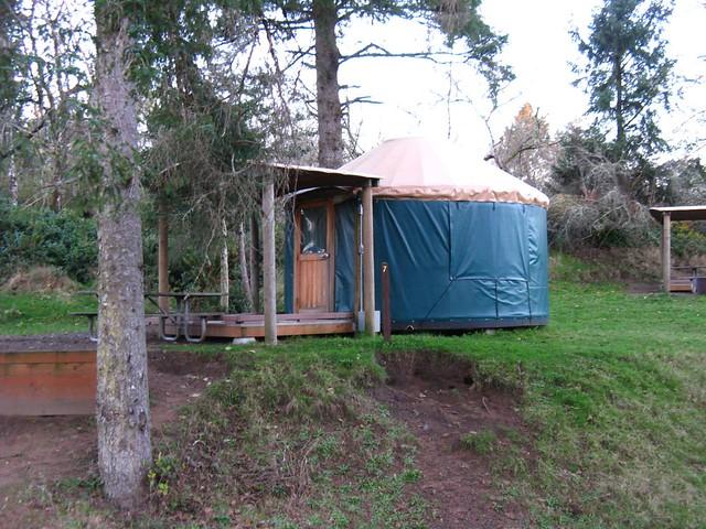 Fort stevens yurt village yurt 7 fort stevens state park for Oregon state parks yurts and cabins