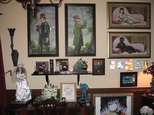 Would YOU be brave enough to stay in this wacky ...  Haunted Mansion Themed Bedroom