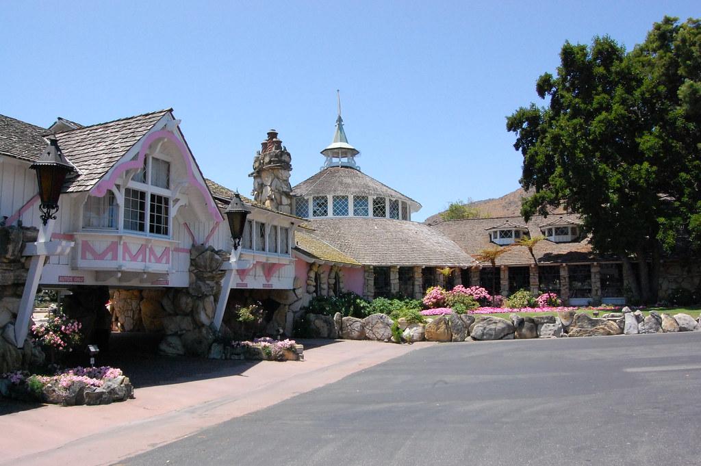 Madonna 0103 The Madonna Inn San Luis Obispo