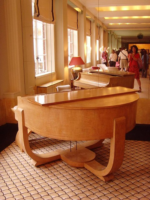The lansdowne club piano 1930s london art deco interior for Deco interiors