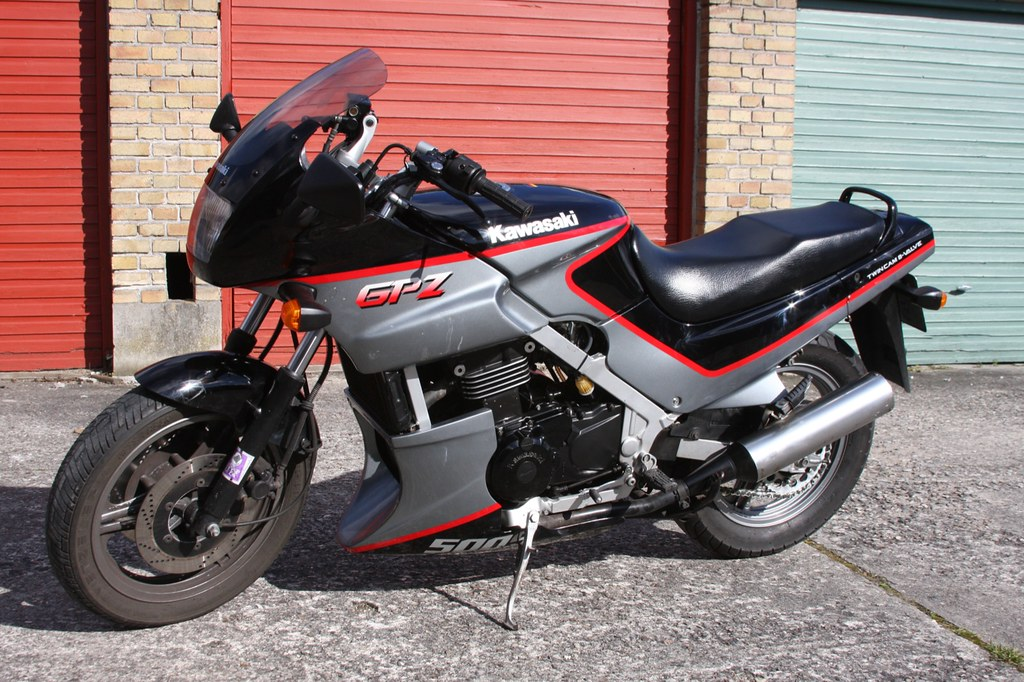 kawasaki gpz 500 s 39 92 for sale in denmark see this site flickr. Black Bedroom Furniture Sets. Home Design Ideas