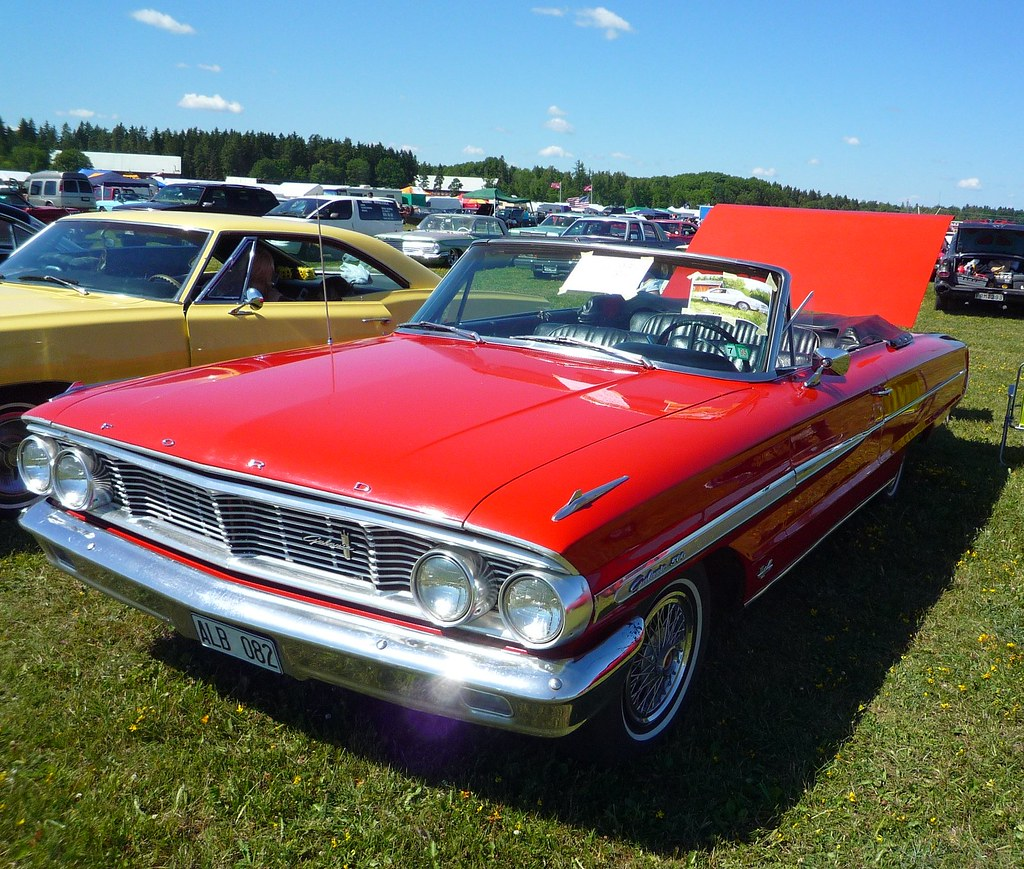 Red convertible Ford Galaxie 500 | Michael Spiller | Flickr