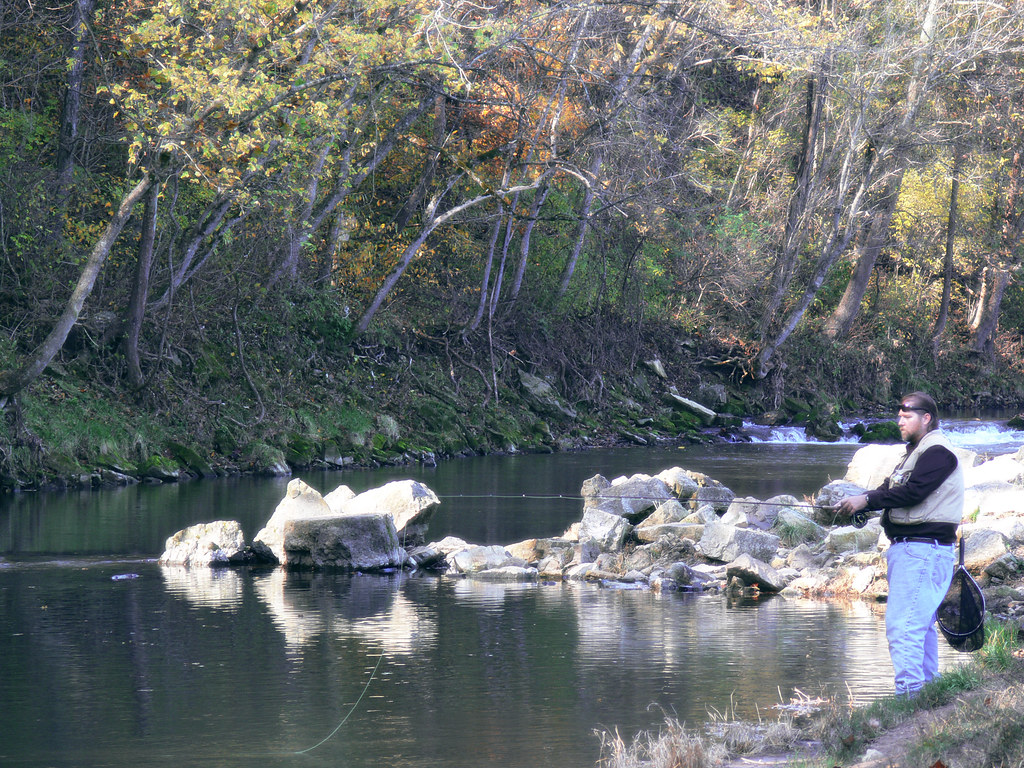 Fly fishing for trout roaring river state park missouri for Roaring river fishing