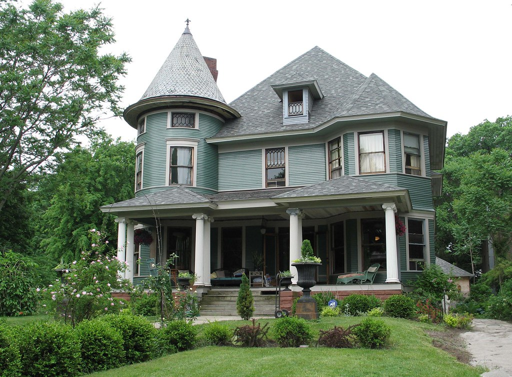 House in old west end toledo ohio queen anne style for Home styles com