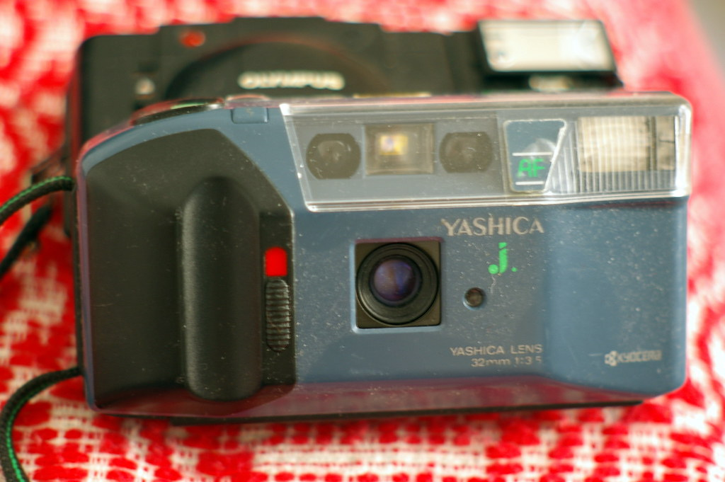 Yashica J w. 2.8? / 32mm | Flickr - Photo Sharing!: https://www.flickr.com/photos/fortinbras/2682194109