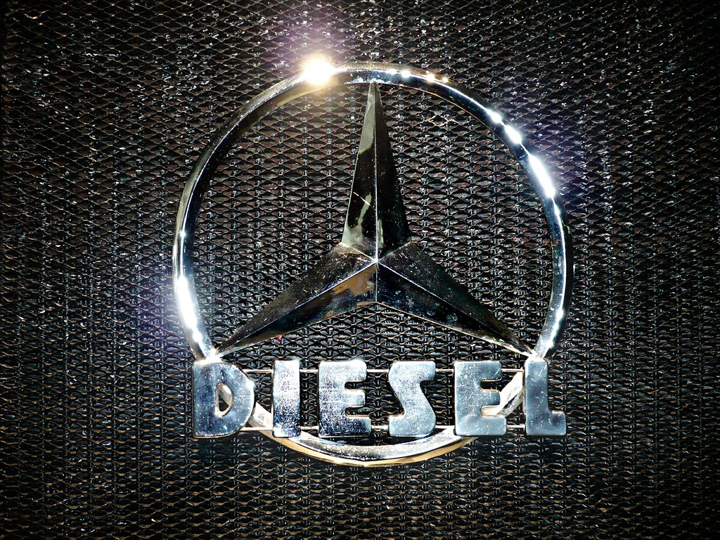 lkw mercedes stern diesel motor logo badge the first. Black Bedroom Furniture Sets. Home Design Ideas