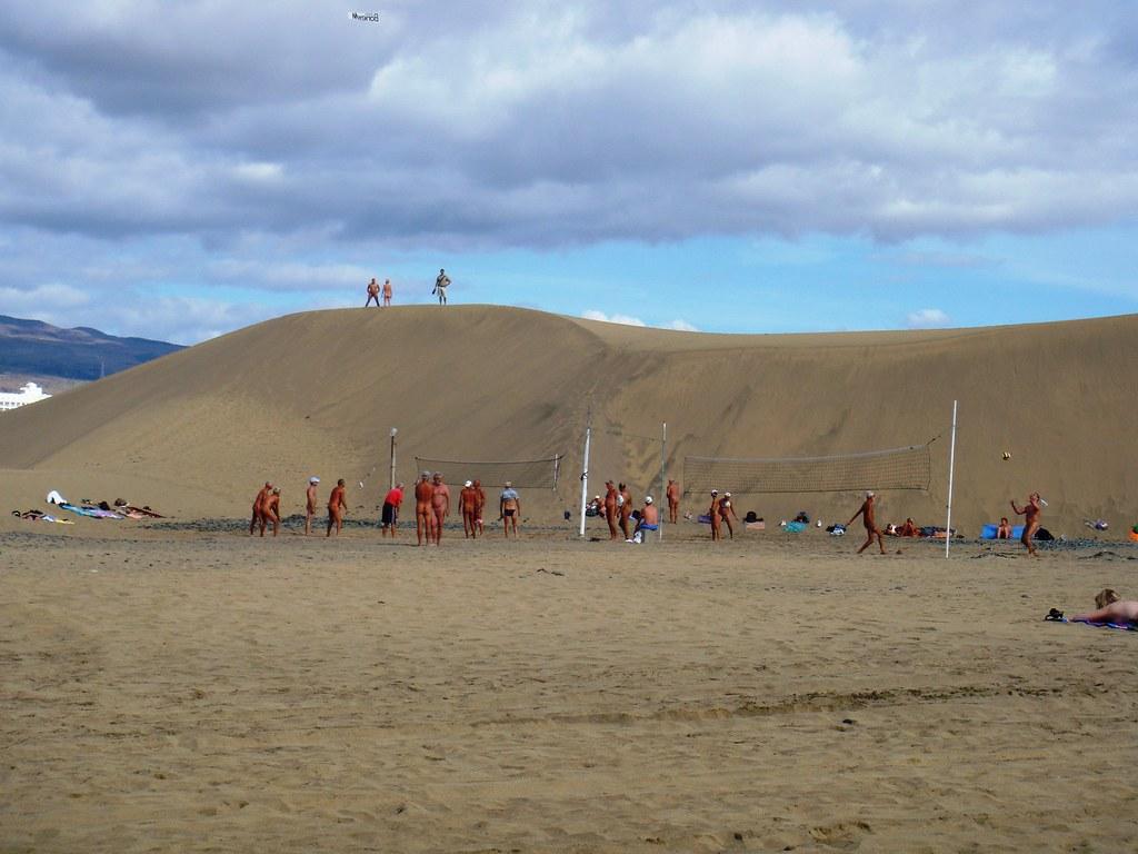 Maspalomas Dunes | FKK Volleyball??? | Rodrigo JS | Flickr