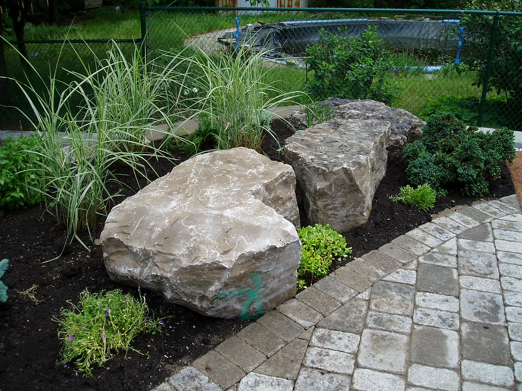 Rock garden design check out rainbow landscaping 39 s for Garden design ideas rockery
