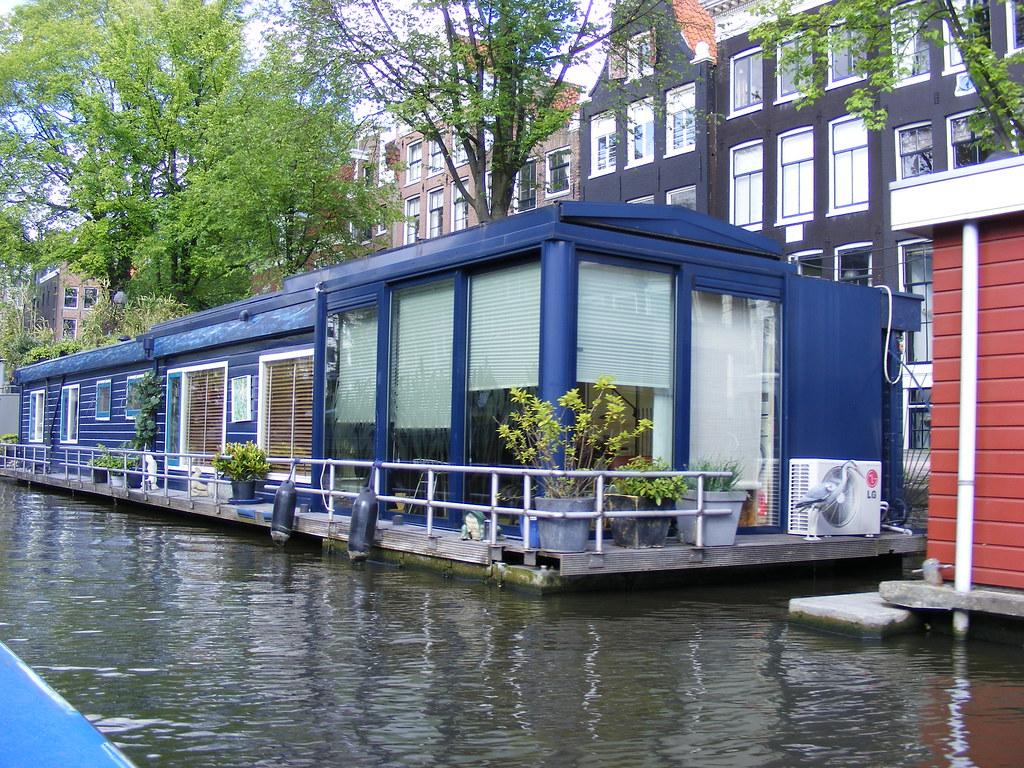 Houseboat in amsterdam greierasul flickr for Houseboat amsterdam