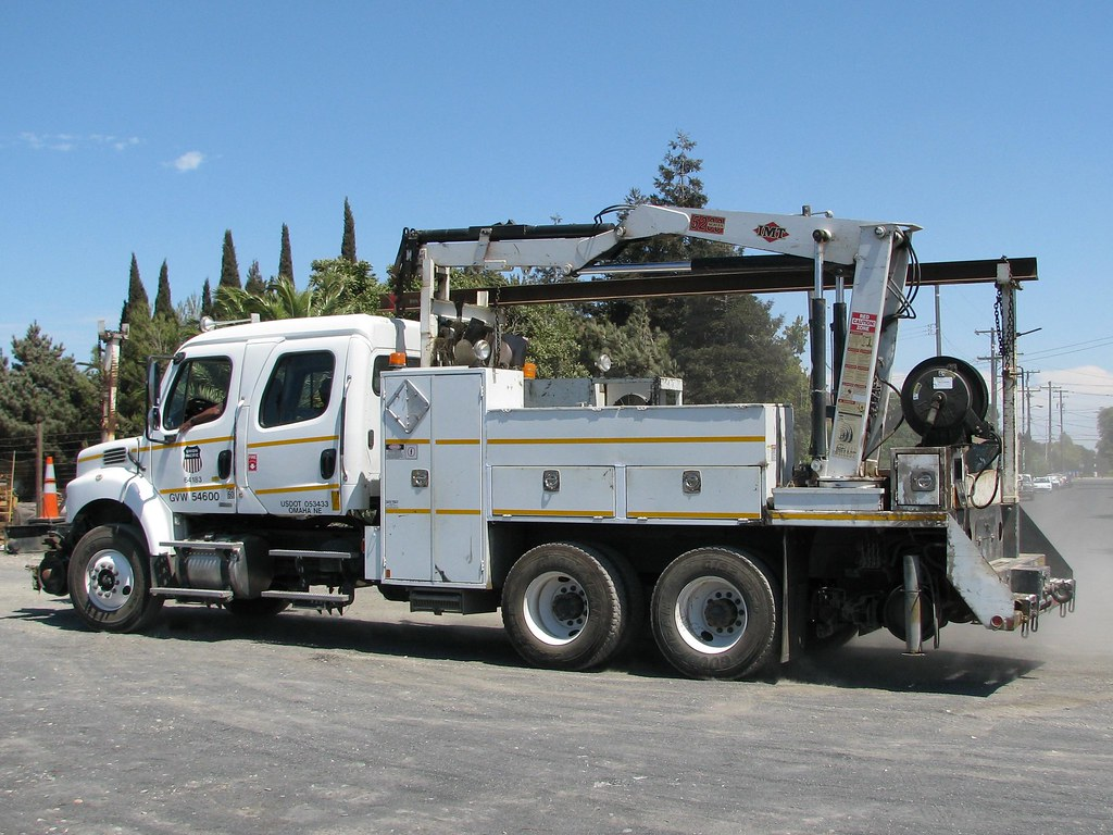 Union Pacific 64183 Freightlinerl Boom Truck 7 ...