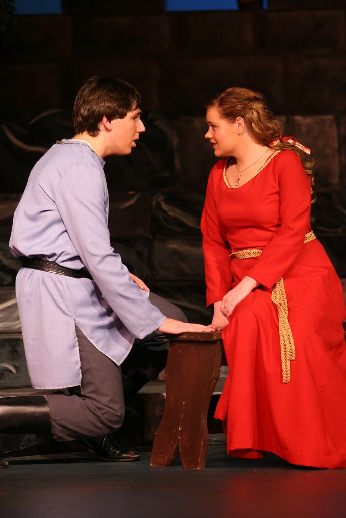 Camelot 4325 burnsville high school theatre guild for Burnsville theater
