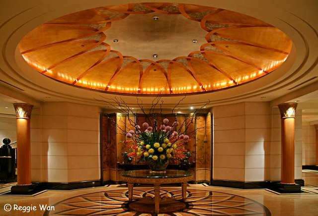 Foyer And Entrance Of The Windsor Hotel : Entrance foyer of four seasons hotel singapore camera