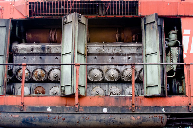 Electro Motive Diesel >> BX914 EMD 645 Diesel Engine | I think it's an EMD 645... Bei… | Flickr