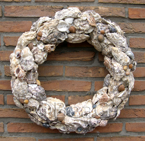 Oyster-shells Wreath (Oesterschelpen Krans) | by Made by BeaG