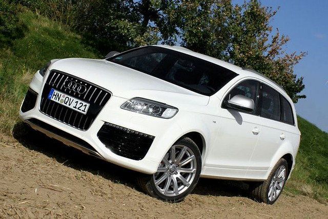 2006 Audi Q7 V12 TDI quattro related infomation