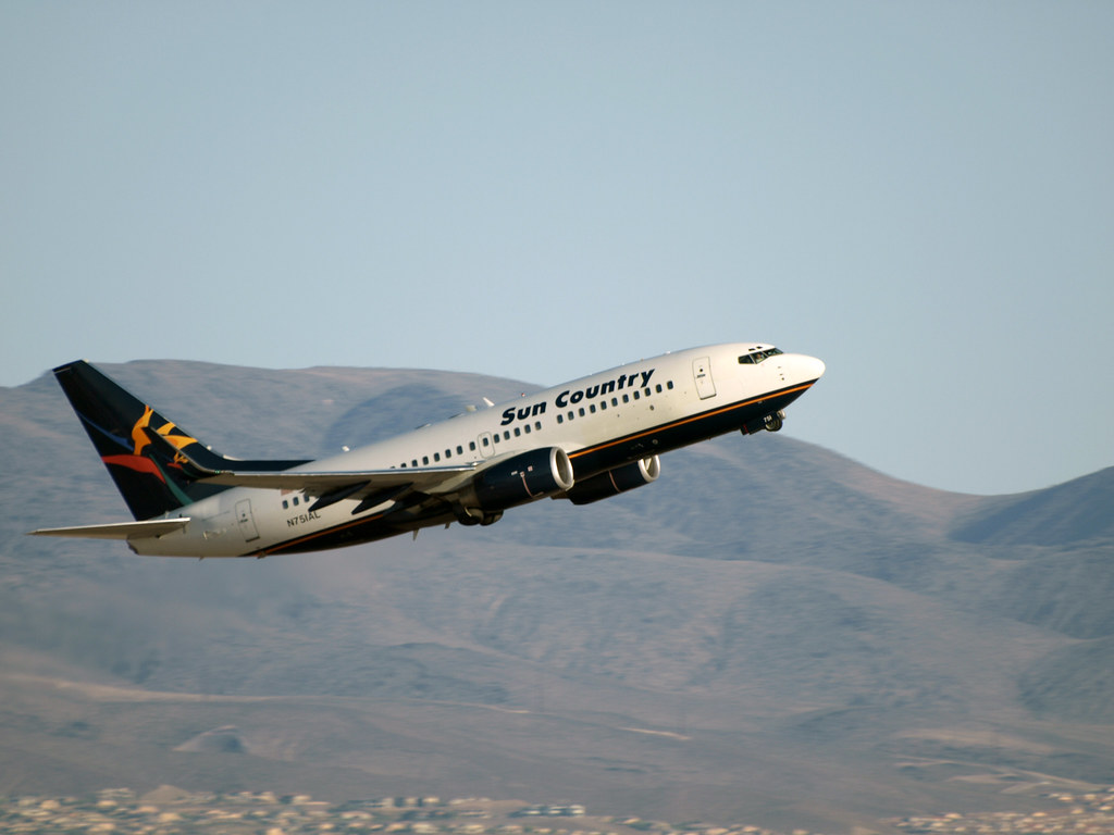 Sun Country Flight 106 To Msp Mccarran Int L Airport N