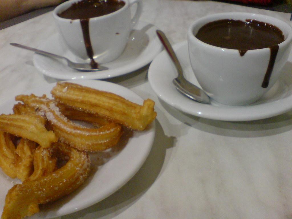 Desayuno - Breakfast | Típico desayuno español: Cocolate ... Desayuno Espanol Tipico