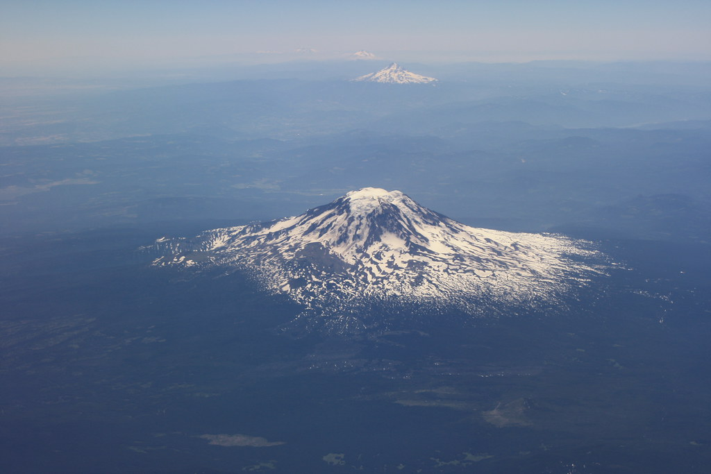 Seattle Washington Map >> Mount Adams and Mount Hood from plane   Snowcapped Mount Ada…   Flickr