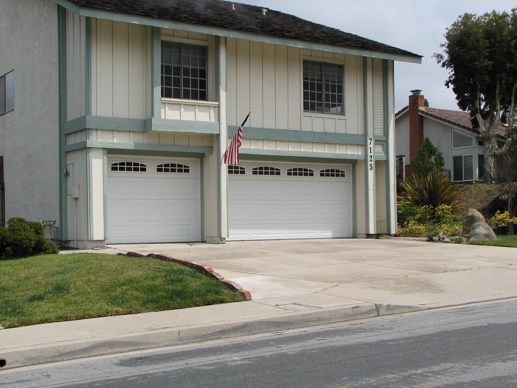 Three car garage cascade three car garage cascade for 3 car garage door