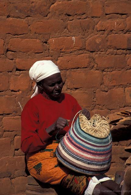 Ke004s12 world bank woman weaving a basket kenya photo
