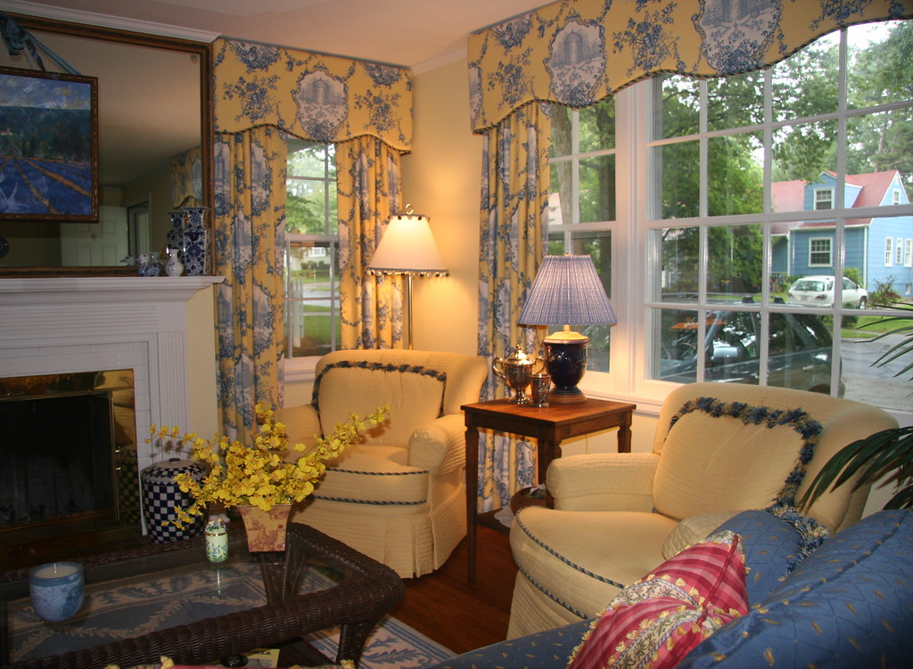 Living Room 4-2 Traditional | Country French living room