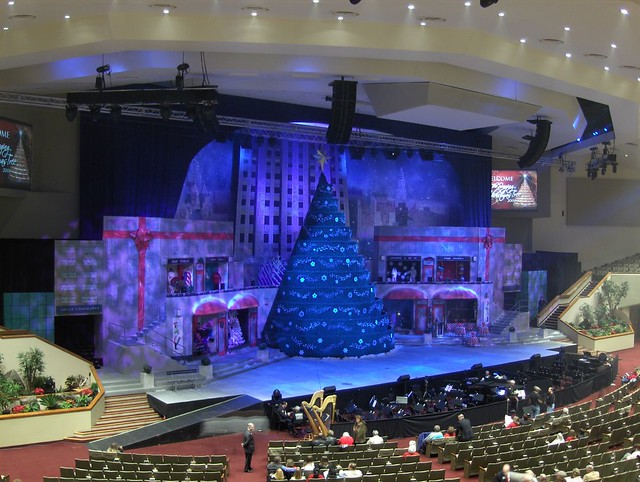 ... Bellevue Baptist Church and it's Singing Christmas Tree | by Ann Alto - Bellevue Baptist Church And It's Singing Christmas Tree Flickr