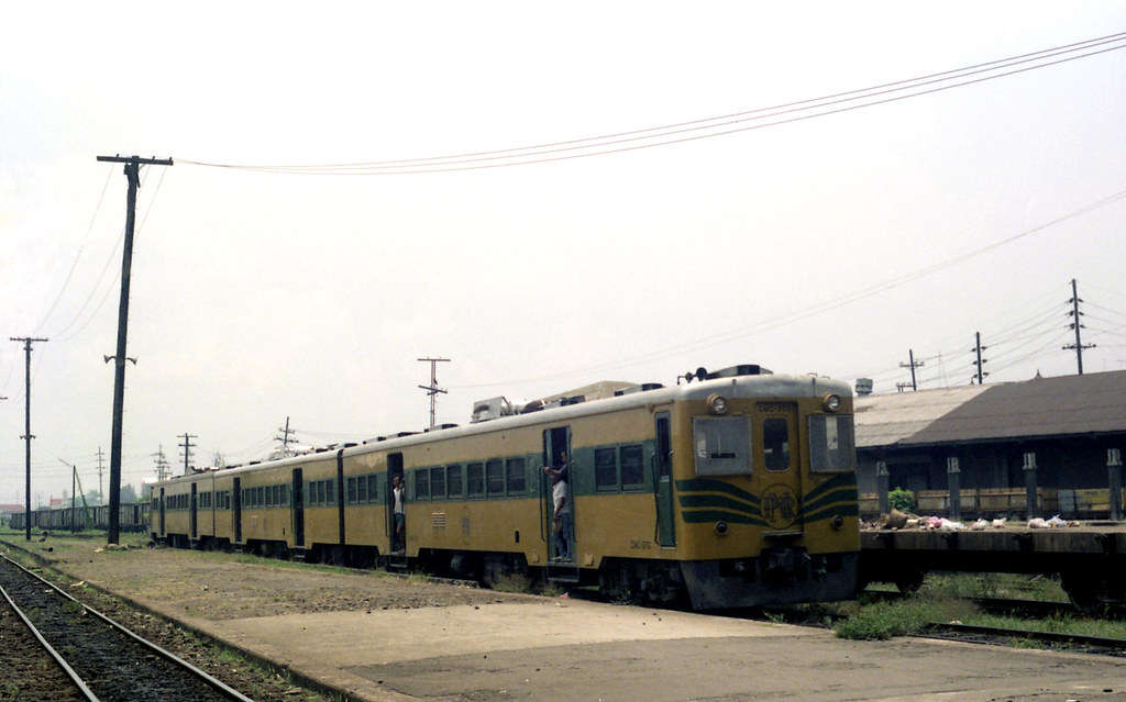 philippine national railway Rail transport in the philippines is used mostly to transport passengers within  metro manila and the nearby province of laguna freight transport is nonexistent  currently, the country has a railway footprint of only 77 kilometers through lrt  line 1, lrt line 2, mrt line 3 and the philippine national railways (pnr.