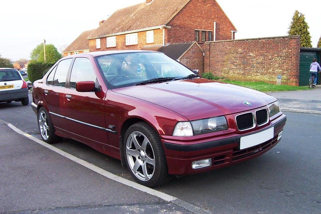 1995 bmw 318i one of my old cars just really liked this. Black Bedroom Furniture Sets. Home Design Ideas