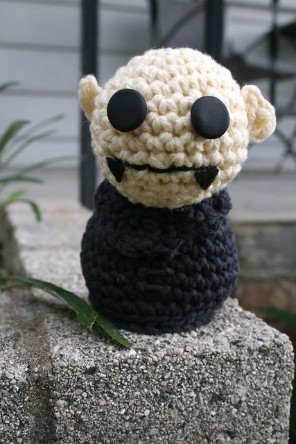 Old Fashioned Creepy Cute Crochet Patterns Illustration - Easy Scarf ...