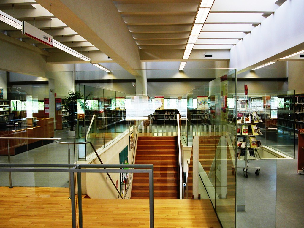 16 biblioteca publica mar a moliner sala de lectural escal - Escaleras para bibliotecas ...