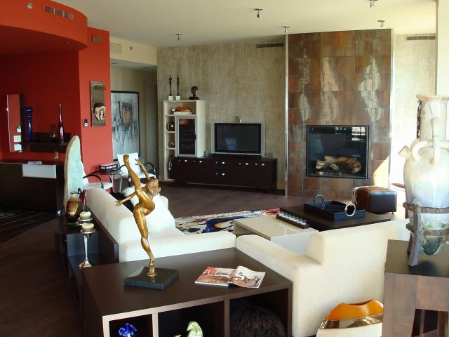 Salon Avec Foyer Au Gaz : Salon avec foyer au gaz contour finition en porcelaine