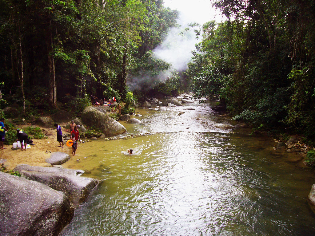 Burmese Pool Taiping Mostly Malay And Indians Come To Th Flickr