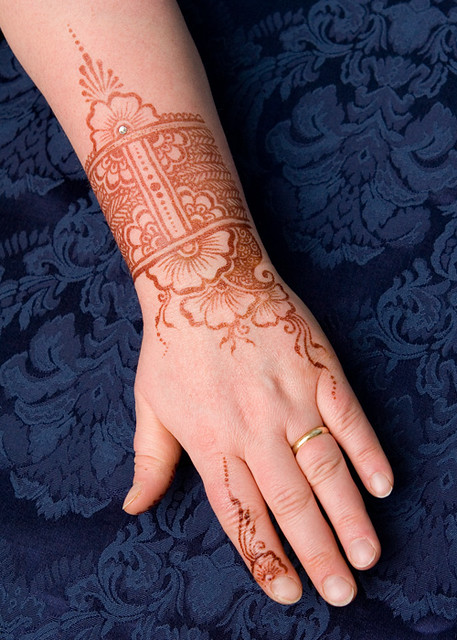 Mehndi Tattoo Cuff : Henna cuff and a bit more i was in the mood for little