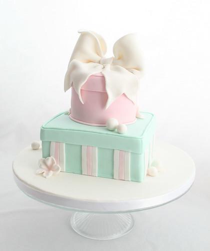 Cake Gift Images : Gift box cake Flickr - Photo Sharing!