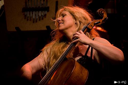 Caroline lavelle violoncelliste de loreena mckennitt conce