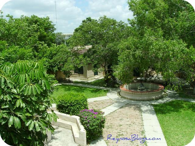 Jardin central flickr photo sharing for Central jardin rixensart