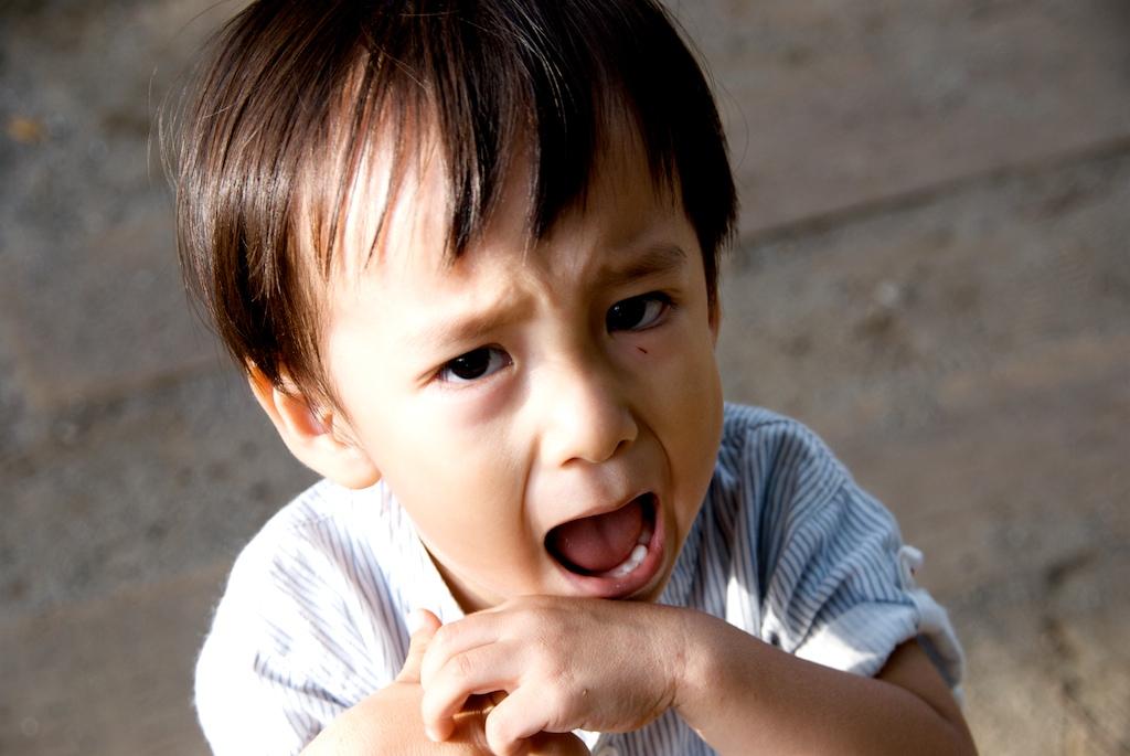 すぐ怒る人の心理的特徴とは すぐ怒る人への対処法・癖を直す方法