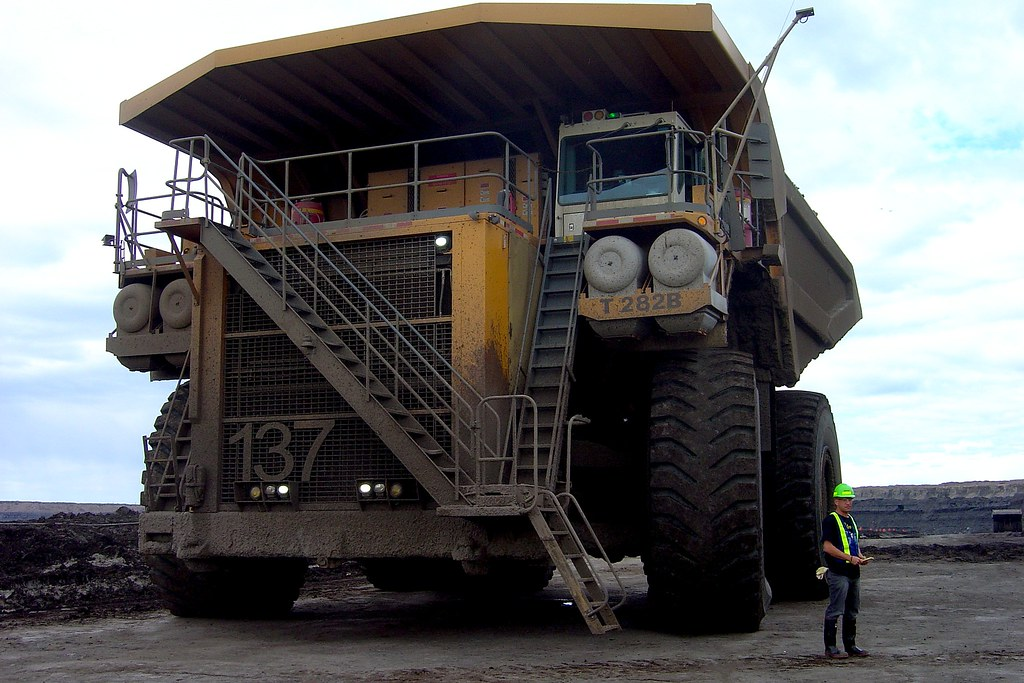 how to become a heavy equipment operator canada