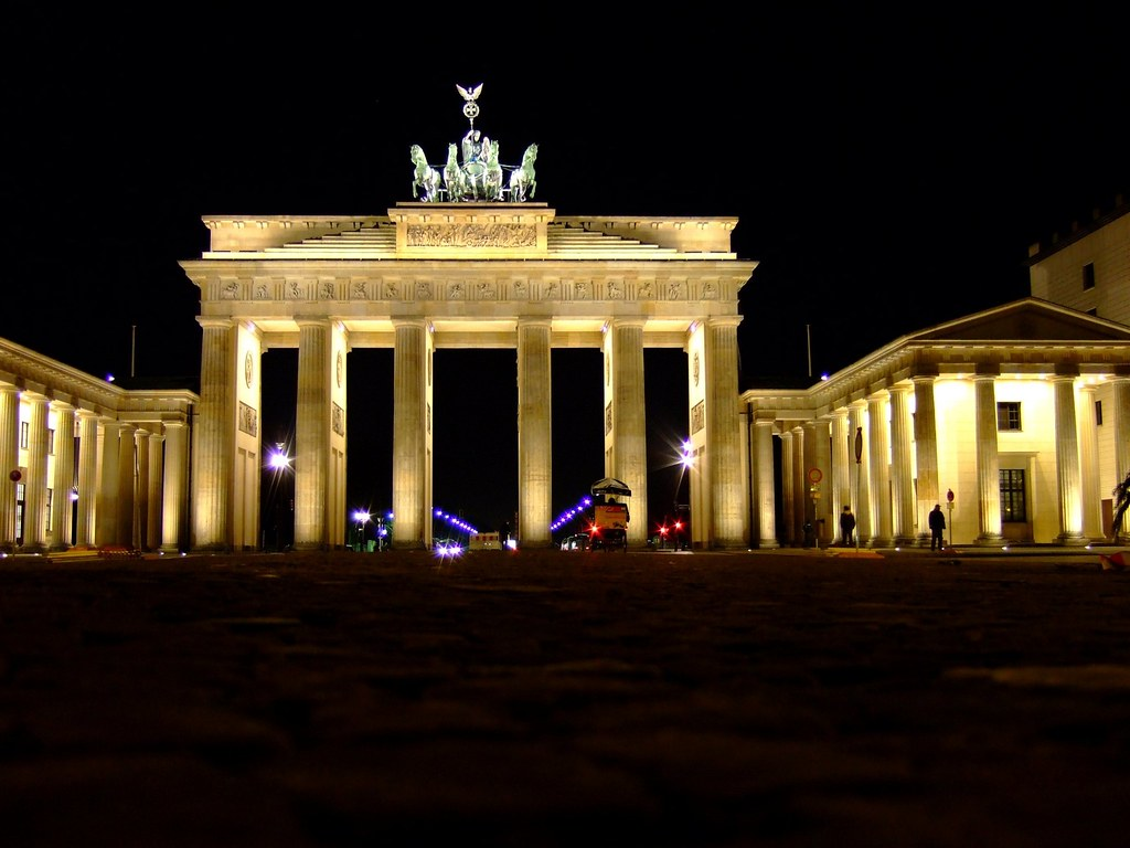 Brandenburger tor berlin cc creative commons by for Creative jobs berlin