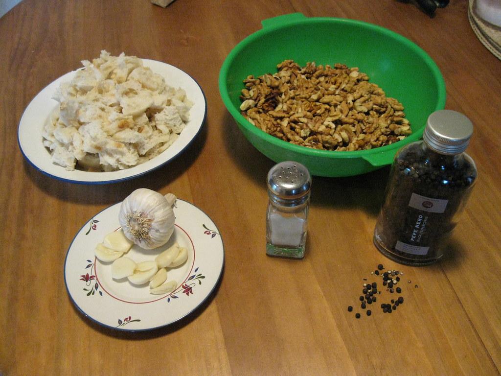 circassian chicken | garlic,fresh breadcrumbs, walnuts,salt ...