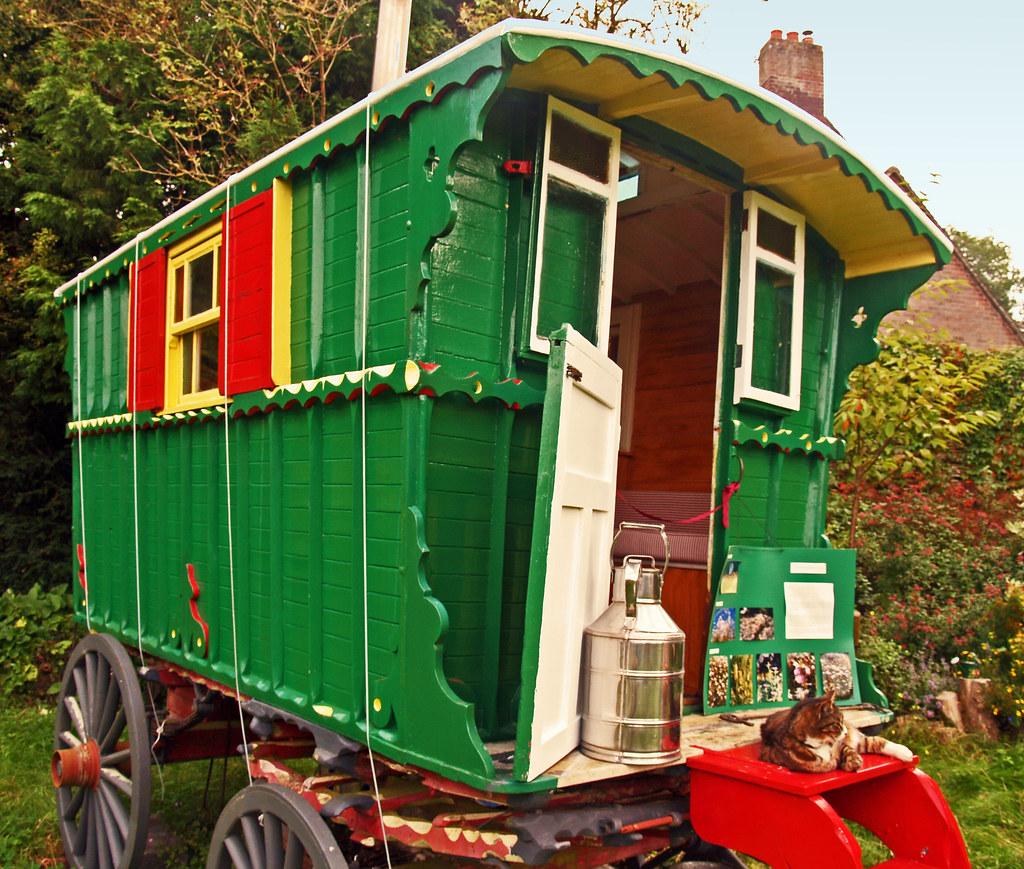 Traditional English Gypsy Caravan This Pretty Gypsy
