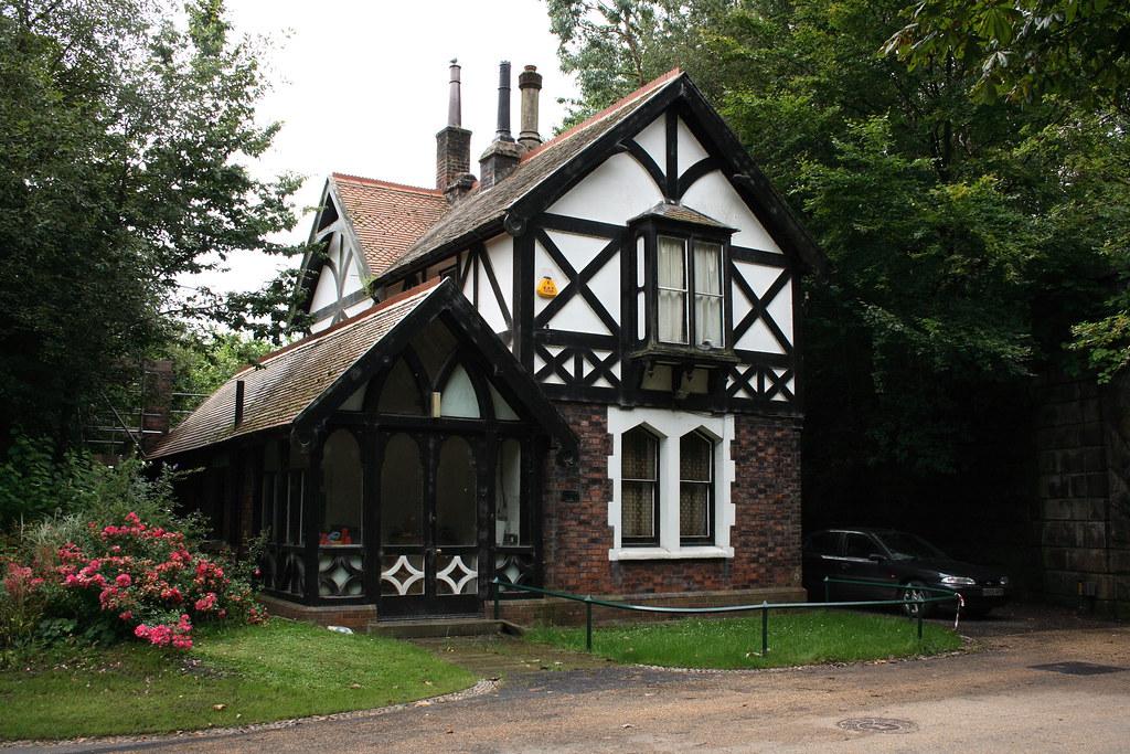 The Keepers Lodge Victorian Avenham Park Preston