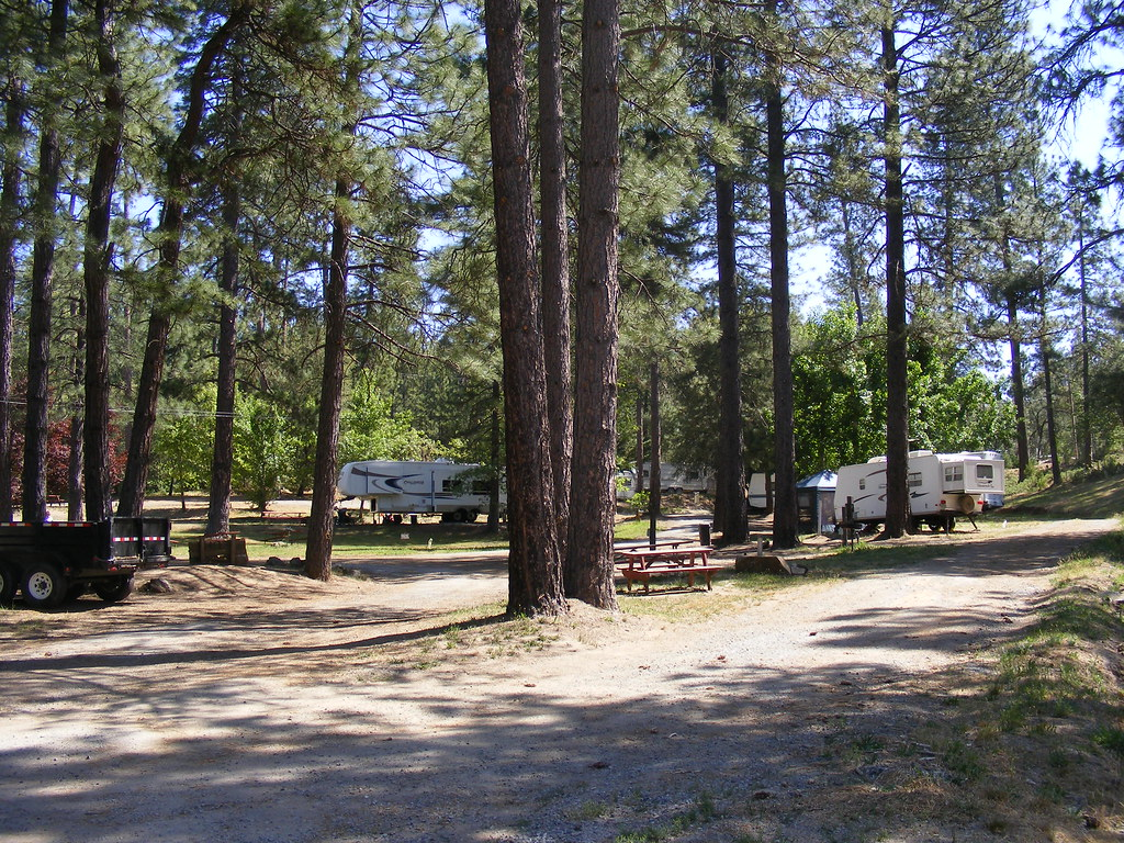 Yosemite westlake campground rv park spurrjls flickr for Yosemite park camping cabins