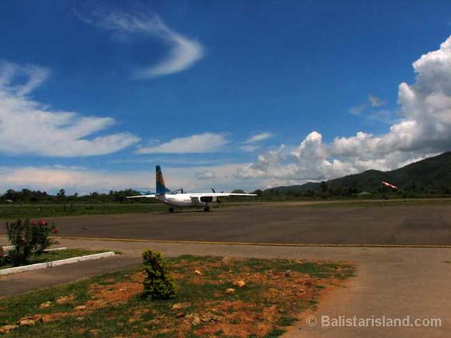 Labuan Bajo Indonesia  City new picture : Labuan Bajo Airport | Flores East Indonesia | Labuan Bajo ...