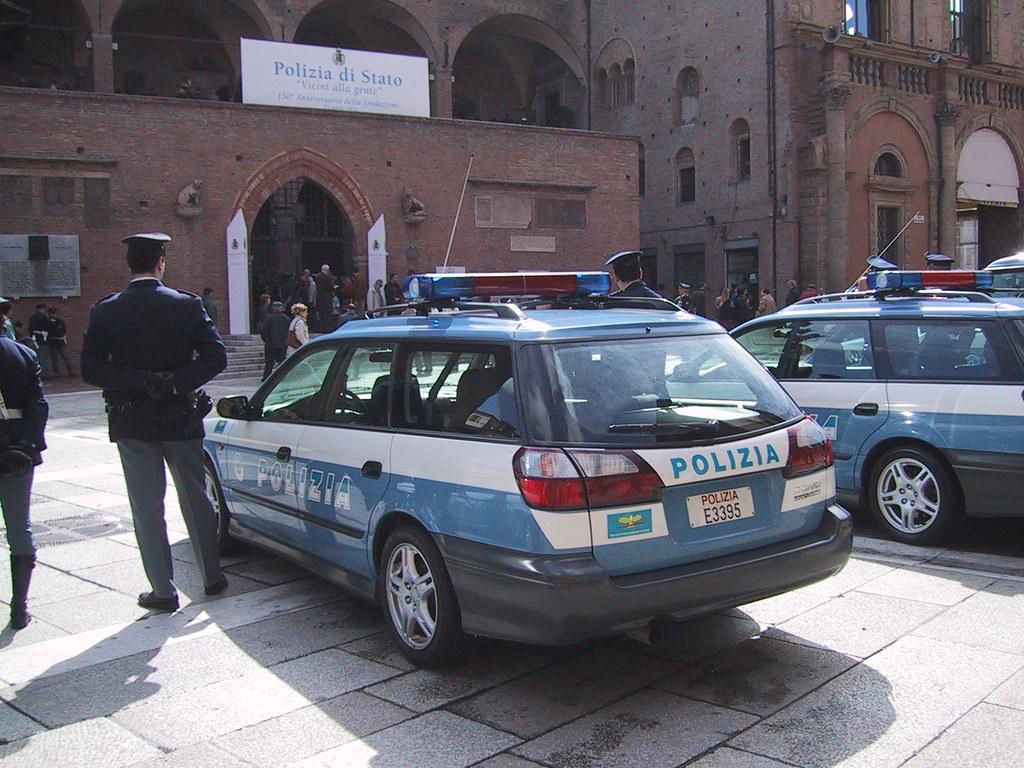 Italia polizia di stato subaru legacy 1998 r p c for Polizia di stato roma permesso di soggiorno